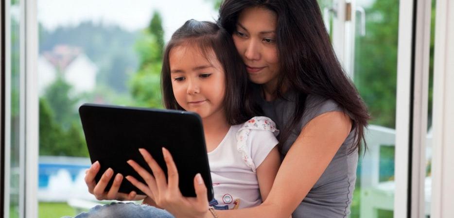 bagaimana cara mengenalkan it komputer kepada anak anak anak sd