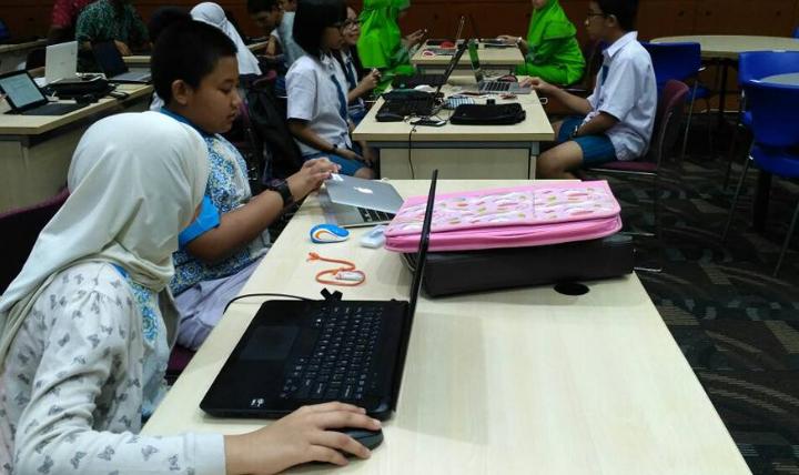 Panduan Menggunakan Modul Komputer Bagi Guru dan Siswa